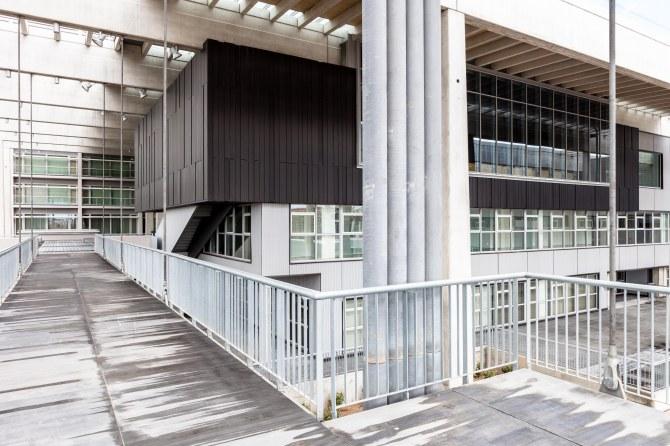 Nuevo Hospital Universitario de Burgos, Gabriel Gallegos & varios