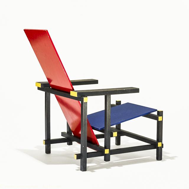 silla roja y azul rietveld luz10